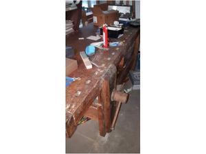Vendo antico tavolo da falegname restaurato
