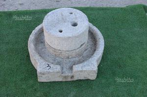 Macina manuale in pietra n 3 completa di piatto ru