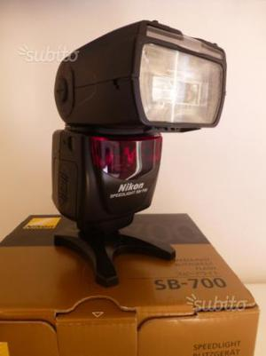 Flash Nikon SB 700 diffusore + batt e caricabatter