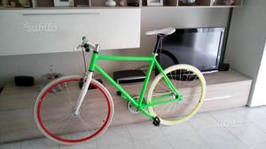 Bici scatto fisso  nuova in alluminio colorate
