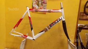 Telaio bici corsa in alluminio