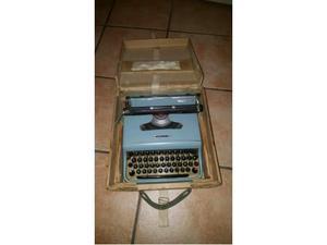 Macchine da scrivere Olivetti lettera 22