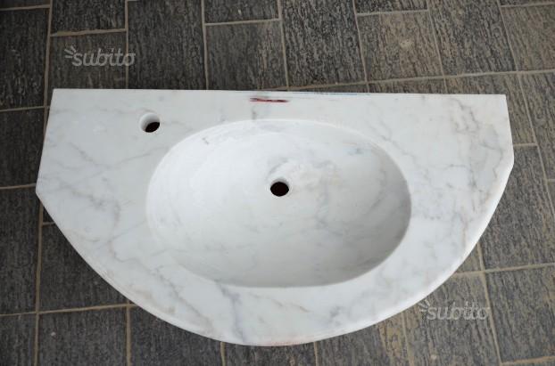 Lavandino in marmo calacatta