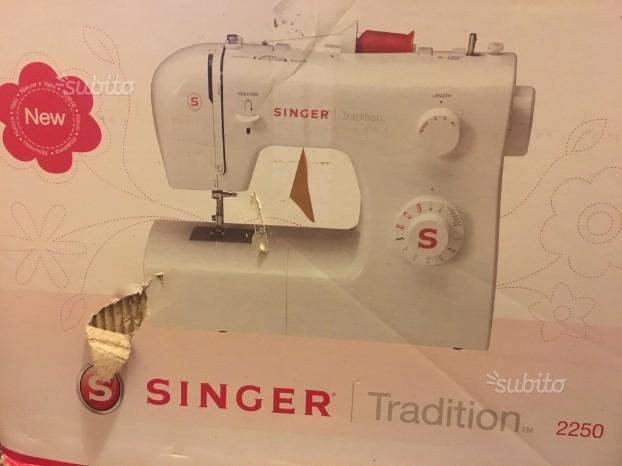Macchina da cucire SINGER Tradition