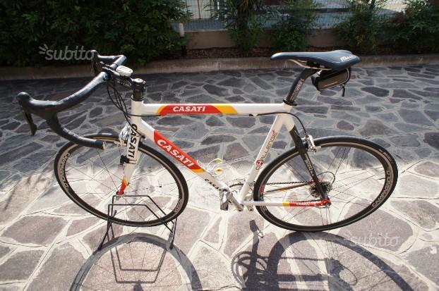 Bici da corsa Casati telaio alluminio/carbonio