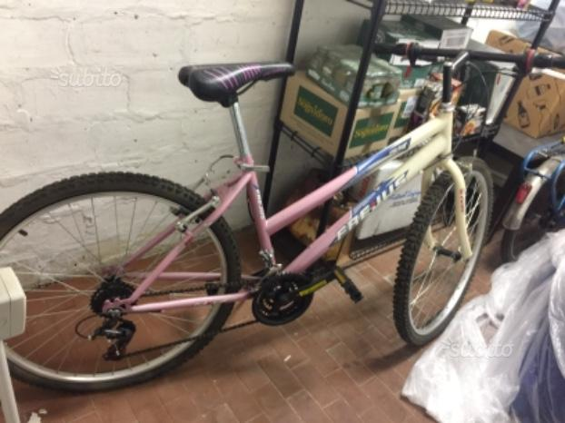 Mountain Bike da Donna 24'' con Catena in omaggio