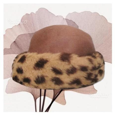 Cappello giullare con 7 sonagli bandiera spagnola  39e8ea395d86