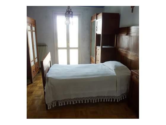 Divano letto barchettone noce inizio 900 posot class - Vendo camera da letto completa ...