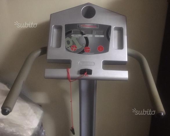 Tapis roulant + Panca attrezzata pesi