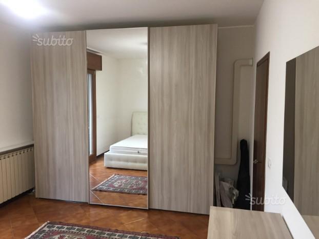 Camera completa con letto