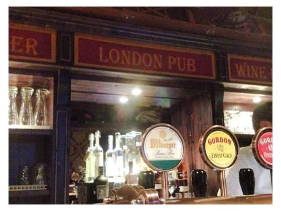 Arredamento per pub posot class for Arredamento pub inglese