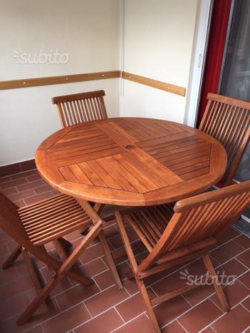 Tavolo + 4 sedie in legno per terrazzo