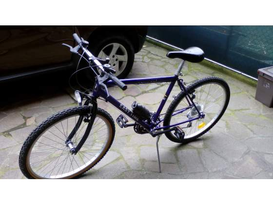 Bicicletta mountan bike
