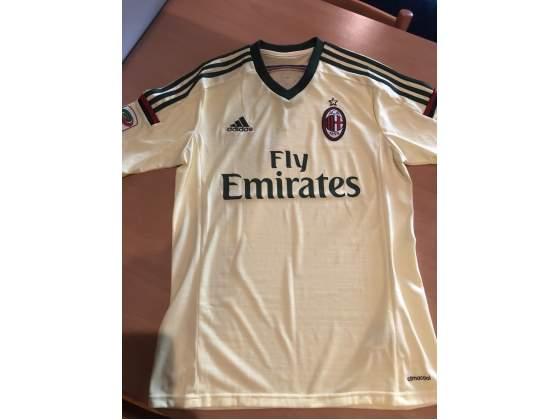 Terza maglia Milan stagione