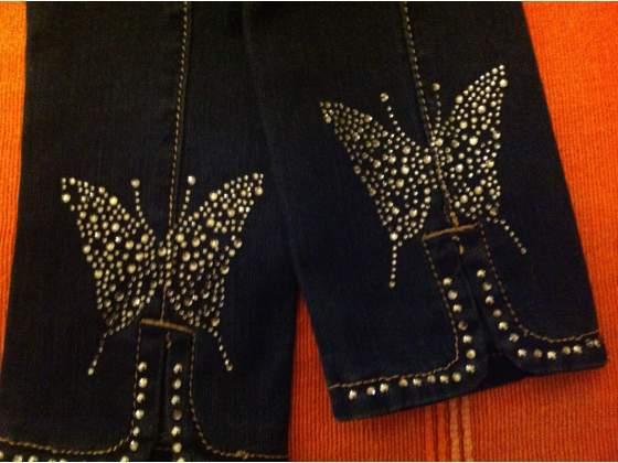 Jeans Nuovi Elasticizzati, con Strass e disegno Stupendo. TG