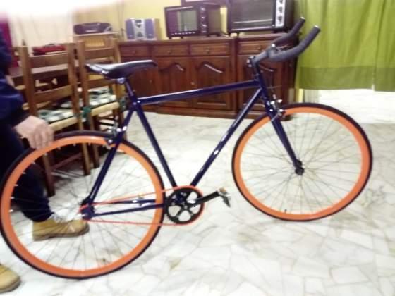 Bicicletta stile da corsa scatto fisso