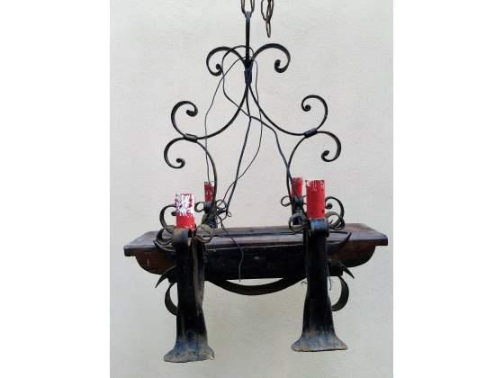 Coppia di lampadari a 4 luci funzionanti in ferro battuto