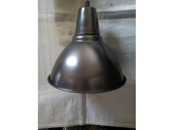 Lampadario a sospensione in alluminio