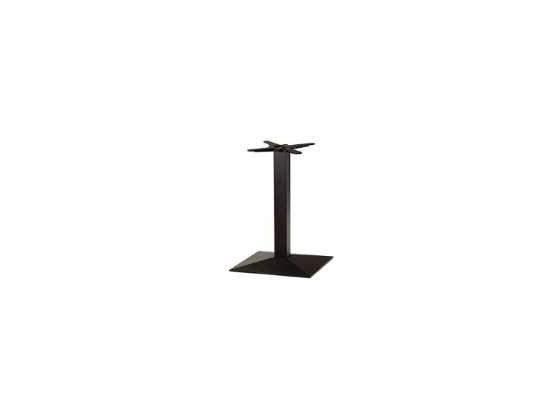 Tavolo alto da bar e due sgabelli alti da posot class for Tavoli alti design