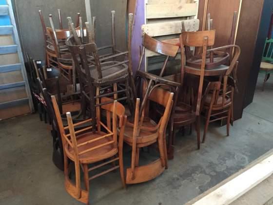 Sedie Francesi Usate : Lotto di sedie usate per conferenze posot class