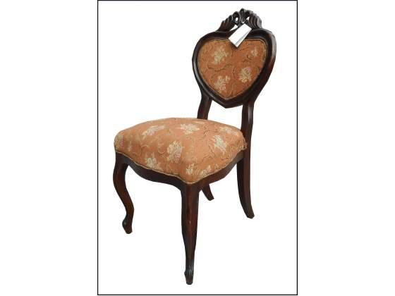 Elegante sedia luigi Filippo in noce con intagli