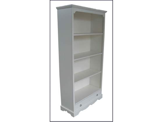 Funzionale libreria laccata avorio con ripiani a giorno