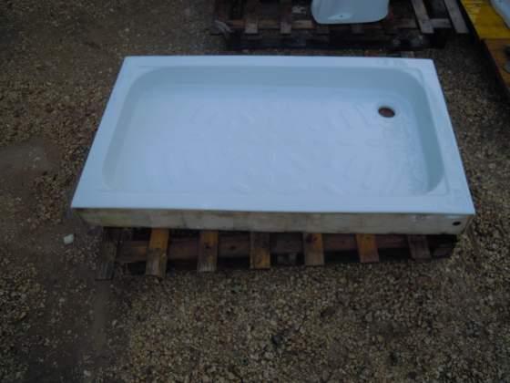 Piatti doccia in porcellana varie misure e lavabi