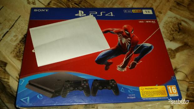 Playstation 4 slim 1tb Garanzia 2 anni Nuova