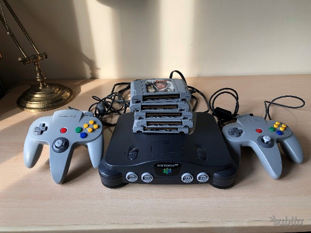 Nintendo 64 con 5 giochi e 2 joystick