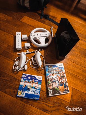 Wii Nera + 2 Controller + 2 Nunchuck + Giochi