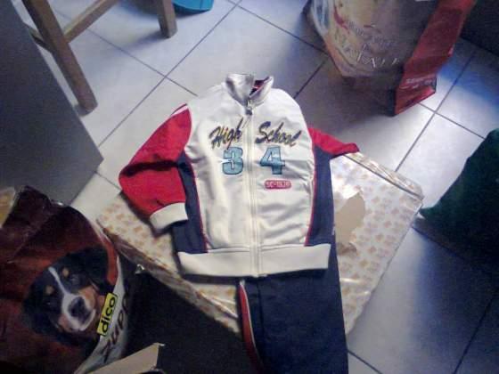 Abbigliamento 3 anni 50 euro 12 pezzi tenuti bene no machhie