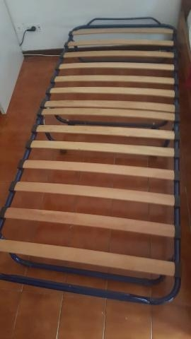 Letto singolo ikea vendesi mod odda struttura posot class for Ikea brandina