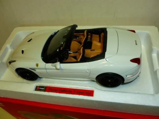 Ferrari california t bianca burago signature 1/18 nuova