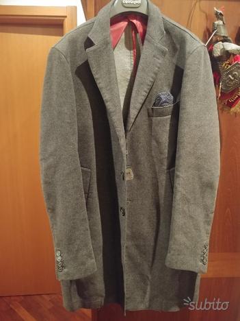 cappotto in lana mai usato