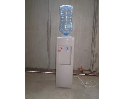 Distributore acqua calda fredda