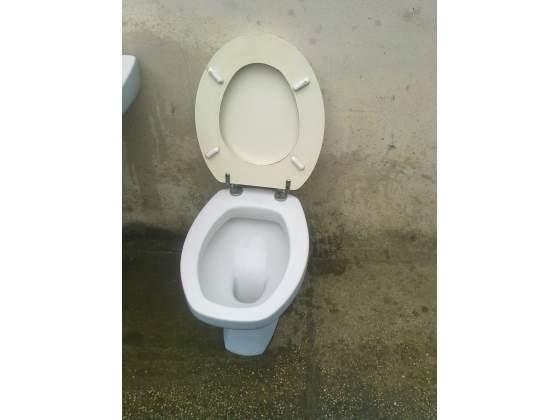 Sanitari bagno in ceramica Laveno