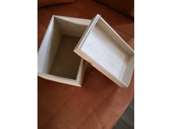Scatola in legno grezzo