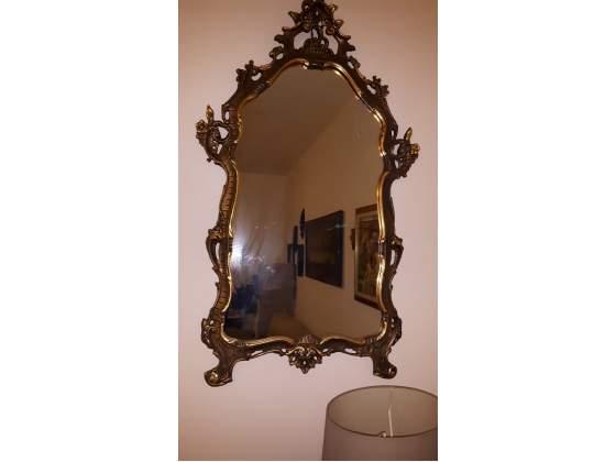 Specchio in legno di antiquariato