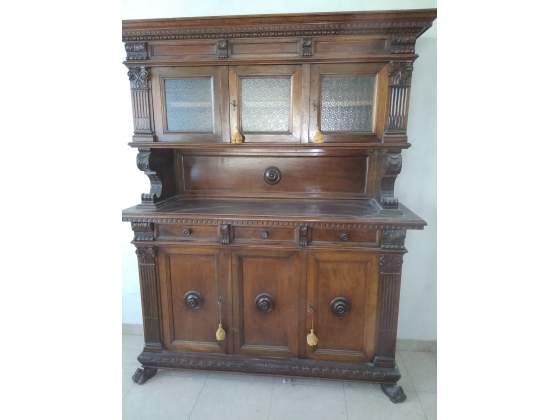 Credenza Con Zampe Di Leone : Vendo mobili stile rinascimentale zampe di leone posot class