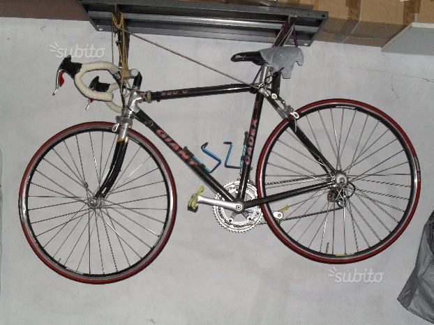 Bici da corsa Giant Cadex alluminio e carbonio