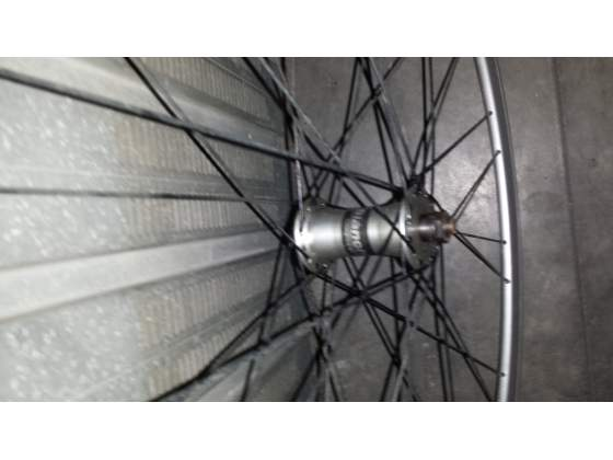 Coppia ruote bianchi per bici da corsa 28 nuove mai usate