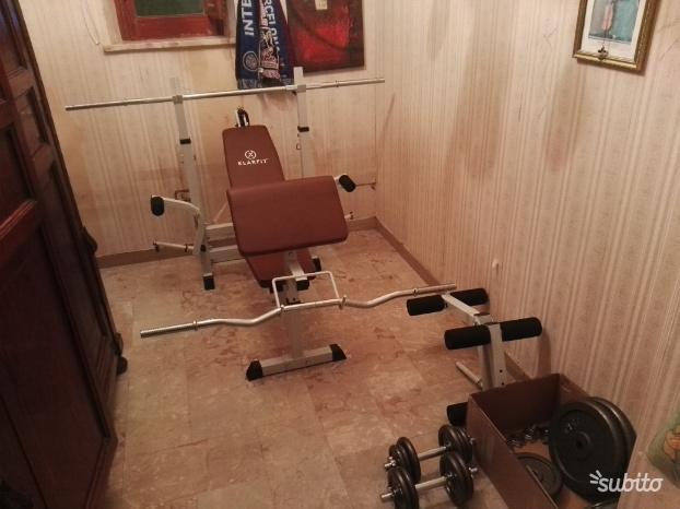 Panca multifunzionale e kit pesi completo Klarfit