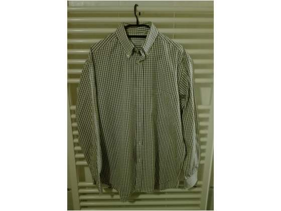 Taglia VI/42, camicia da uomo a quadretti