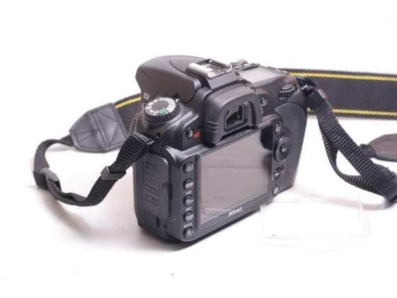 Fotocamera digitale reflex nikon d90 + nikon  vr