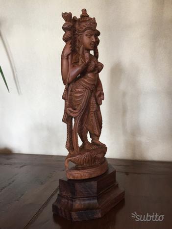 Scultura orientale in legno