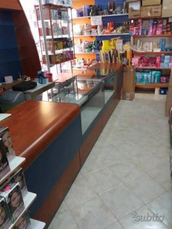 Arredamento per negozio