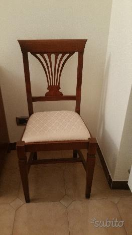 Coppia di sedie in stile