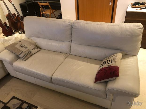 Coppia divani Poltrone e Sofà
