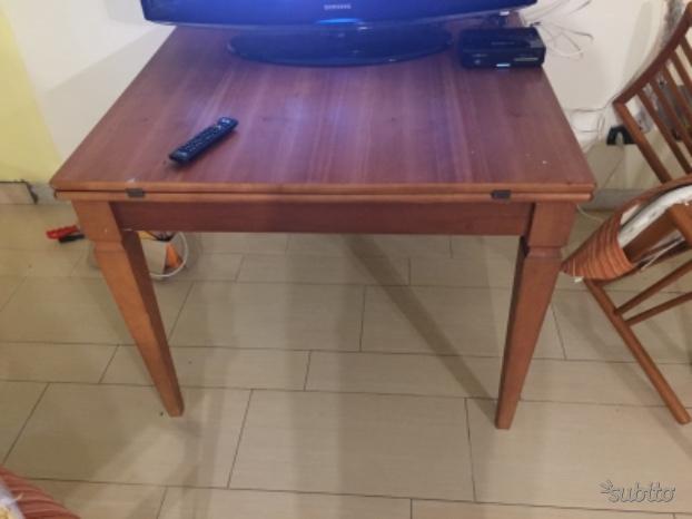 Tavolo allungabile e 4 sedie ciliegio