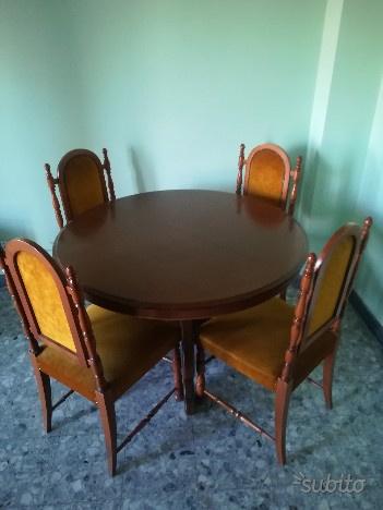 Tavolo rotondo (allungabile) con 4 sedie